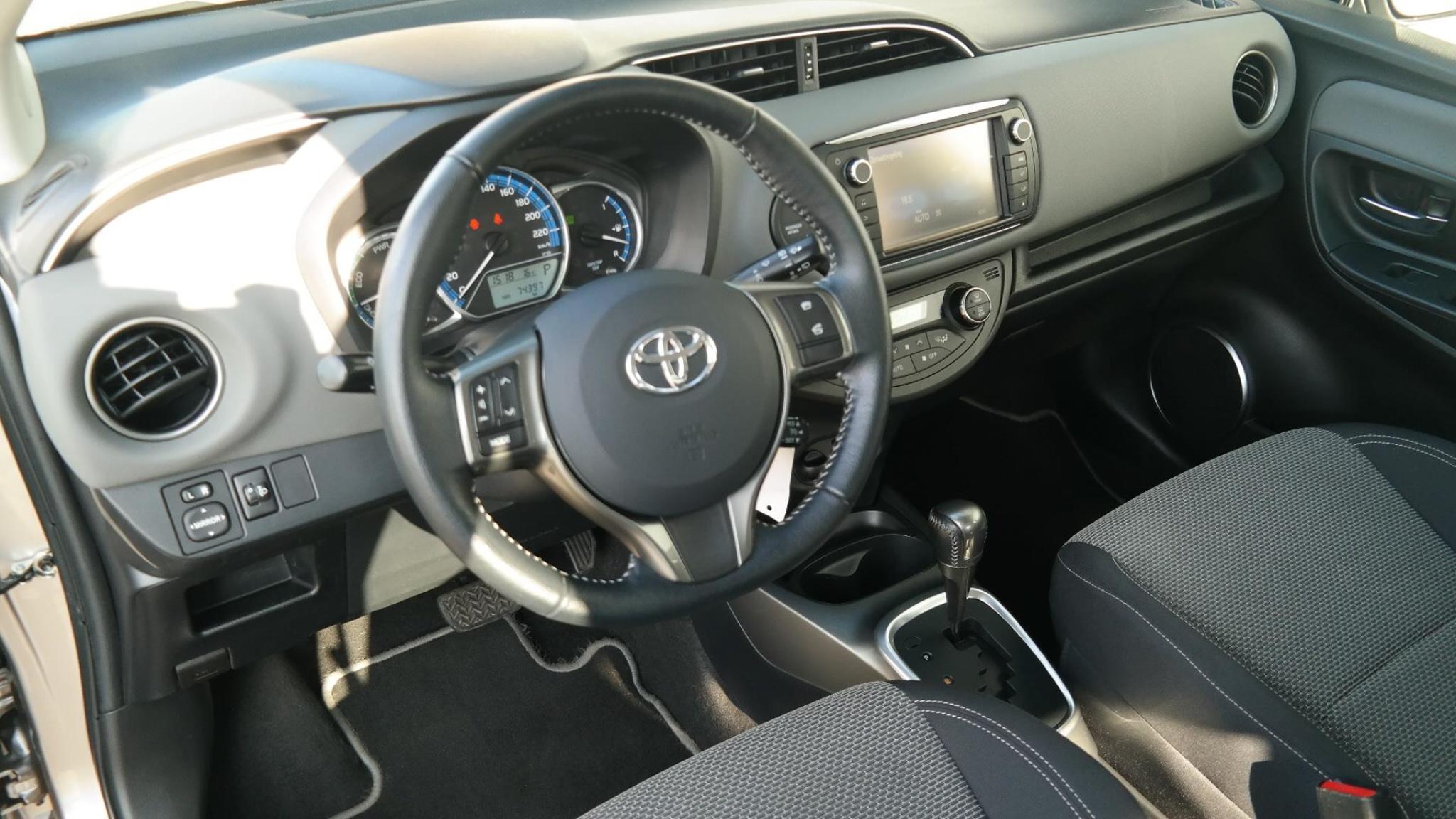 Toyota-Yaris-5