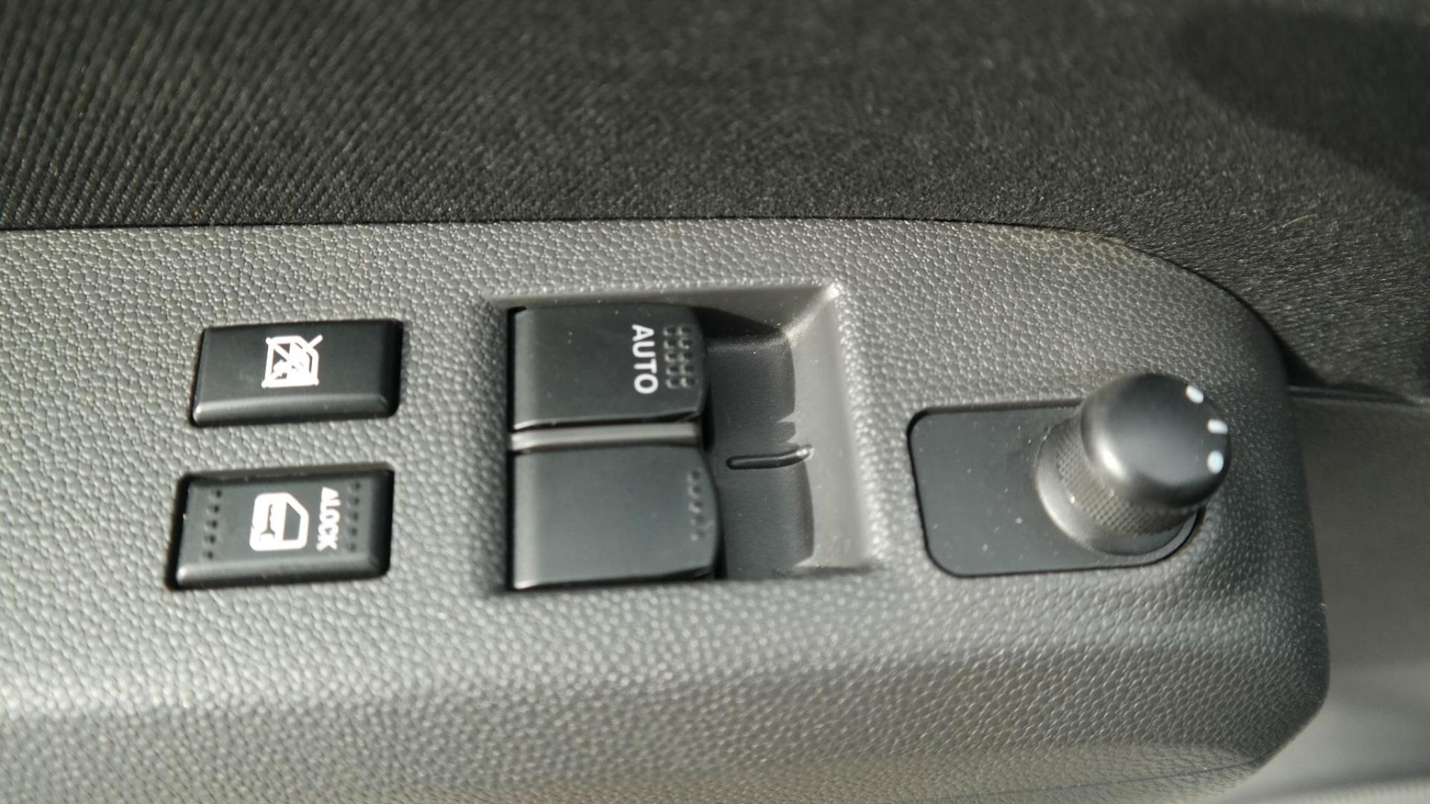 Suzuki-Splash-6